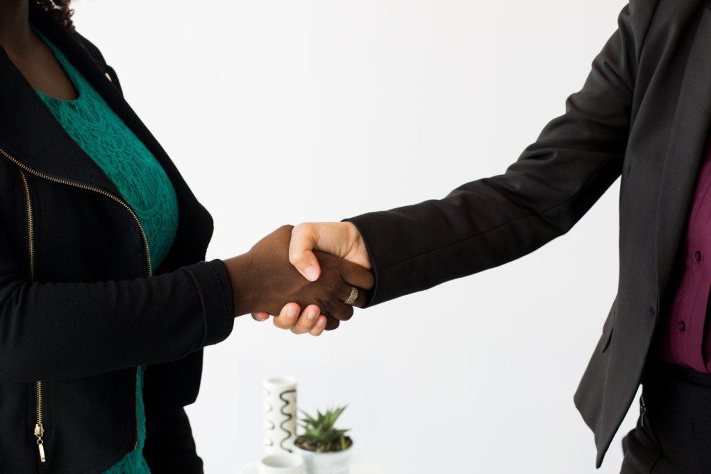Shaking hands - networking in practice